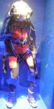 潜水スーツ